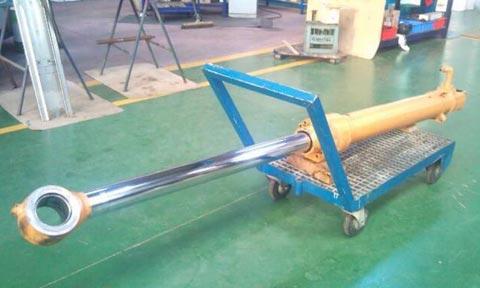reparacion-cilindro-hidraulico-maquina-obra-publica