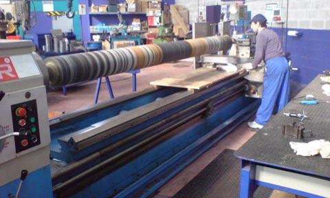 reparacion-de-rodillo-engomado-eje-5-metros